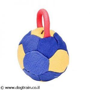 כדור לכלבים בצורת כדורגל לאימונים מבד צרפתי עם ידית חבל