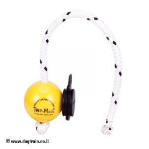 """כדור אילוף מגומי עם סט מגנטים פנימי וחיצוני בקוטר 5.8 ס""""מ-TOP MATIC"""