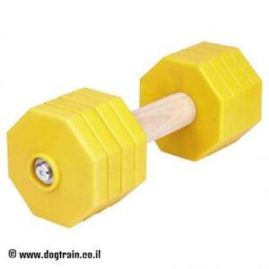 """משקולת עץ לאילוף כלבים עם צלחות משקל צהובות נשלפות – 2 ק""""ג"""